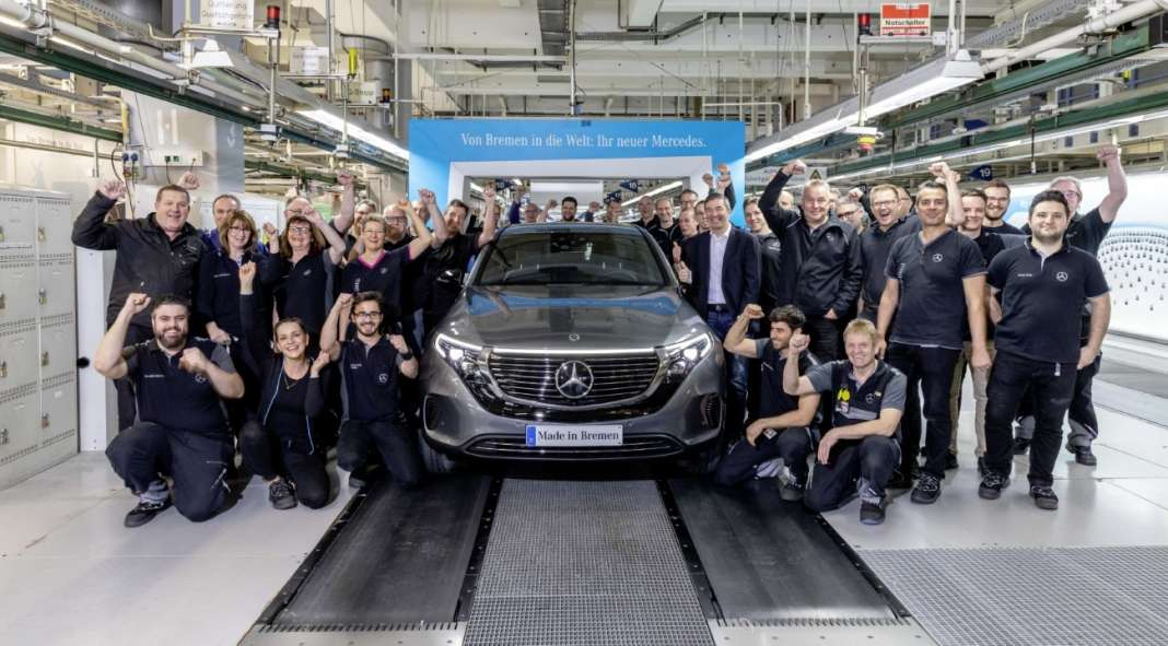 mp; Produktionsstart Mercedes-Benz EQC: Elektrifizierter Stern kommt auf die StraßeMercedes-Benz EQC sales release & start of production: Electrified Mercedes hits the road