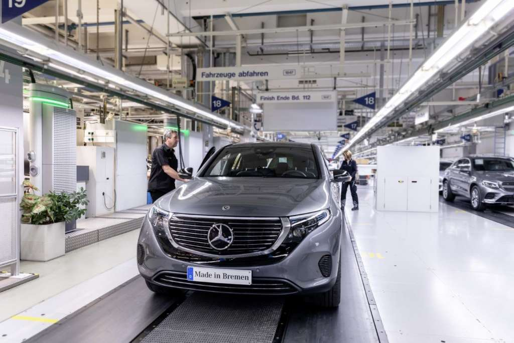 Verkaufsfreigabe & Produktionsstart Mercedes-Benz EQC: Elektrifizierter Stern kommt auf die StraßeMercedes-Benz EQC sales release & start of production: Electrified Mercedes hits the road