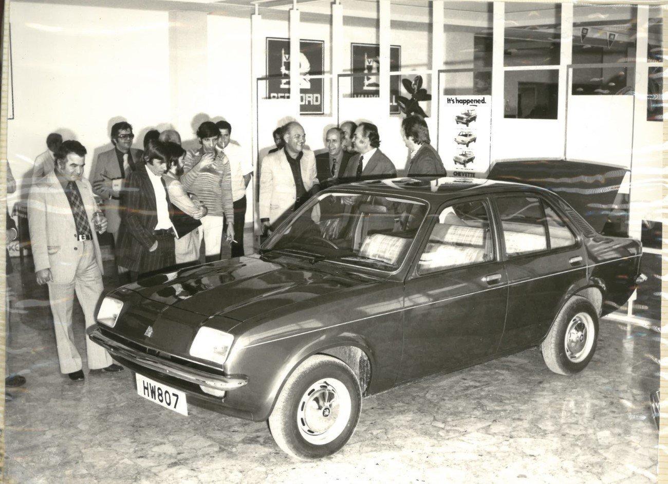 Παρουσίαση μοντέλου (Vauxhall Chevette) τη δεκαετία του 70'