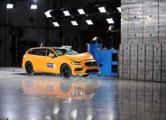 New Volvo V60 crash test