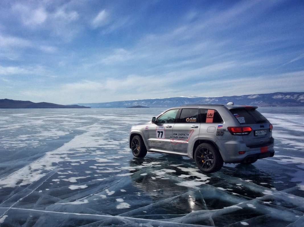 jeep grand cherokee trackhawk record ice lake baikal
