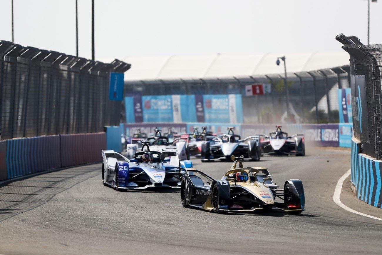 Antonio Felix da Costa (PRT), DS Techeetah, DS E-Tense FE20 leads Maximilian Günther (DEU), BMW I Andretti Motorsports, BMW iFE.20