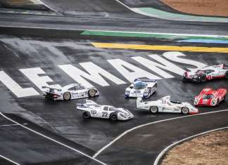 PORSCHE IN LE MANS RACE