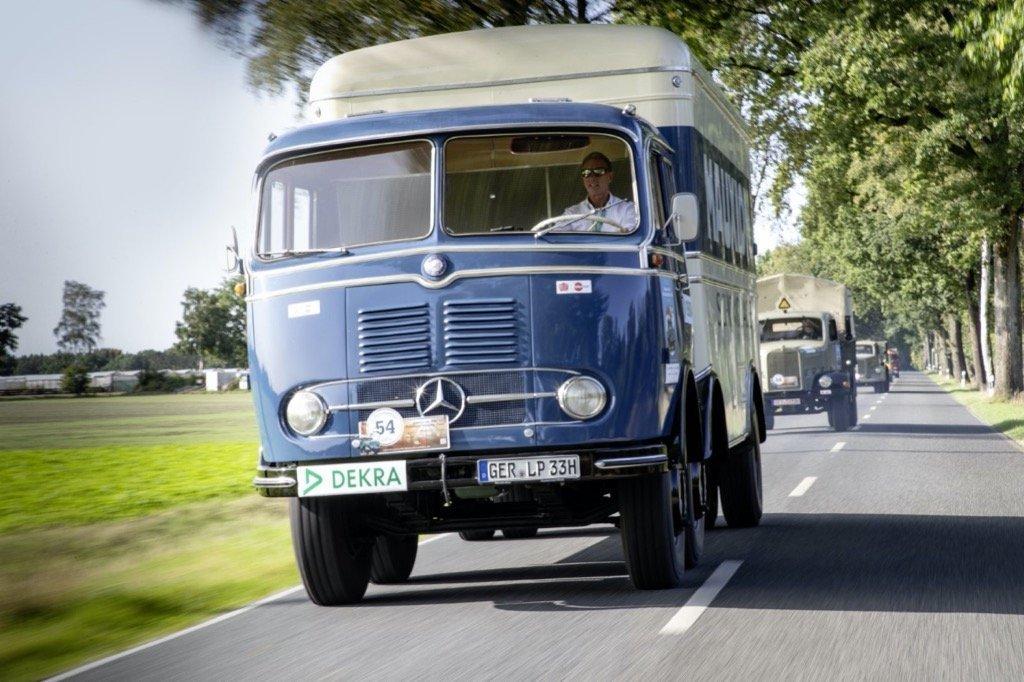 Mercedes-Benz LP 333,