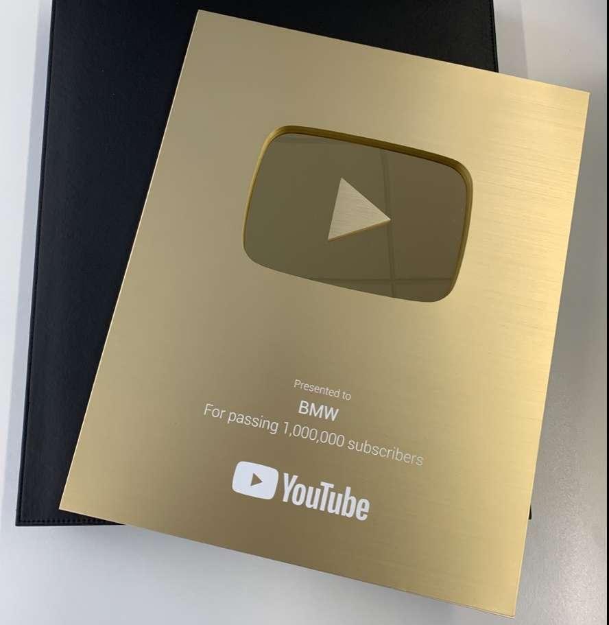 Golden Button Award BMW WINS