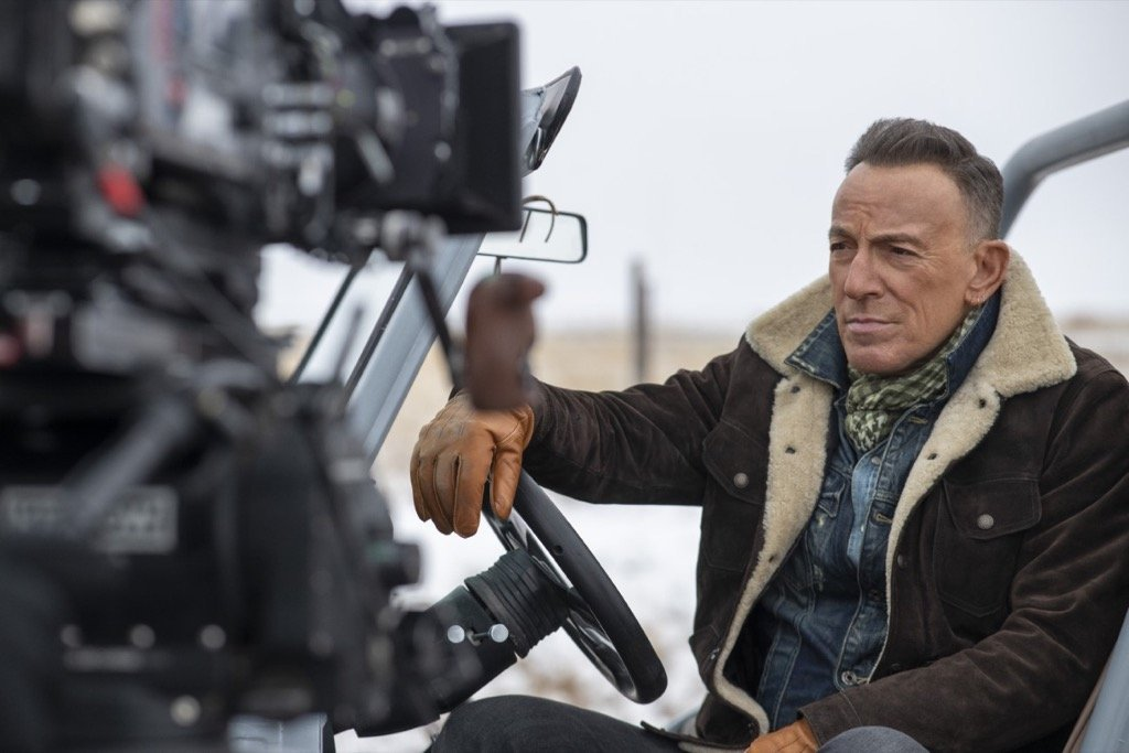 """TheJeep® brand and Bruce Springsteen collaborate to launch """"The Middle"""" Big Game campaign"""