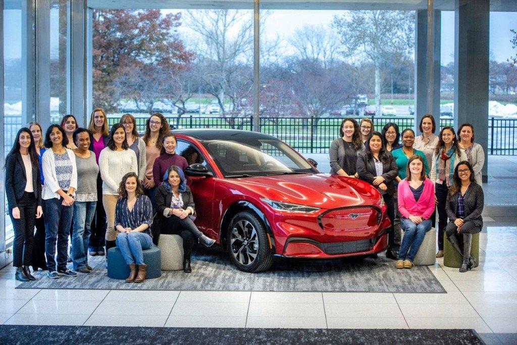 Ford Tech Team WOMEN