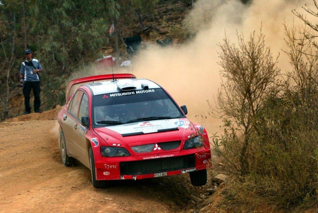 41 Mitsubishi Lancer WRC04 action