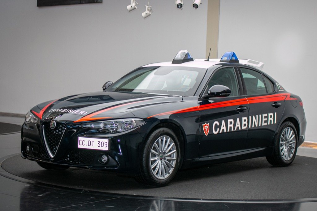 alfa romeo giulia police