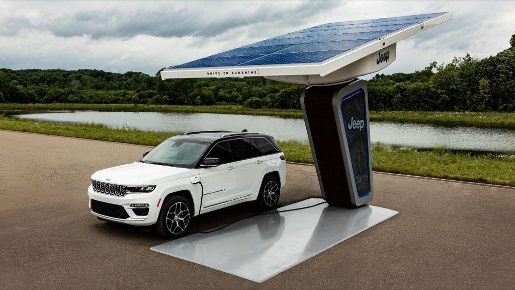 2022 Jeep Grand Cherokee 4xe plug-in hybrid